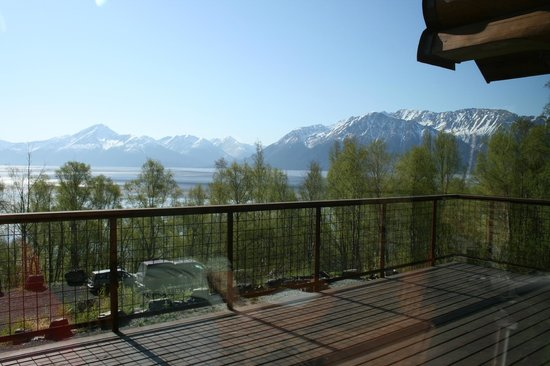 Turnagain View Lodge: View from the balcony