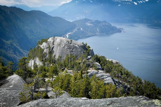 Sea to Sky Adventure Company: Guided Hikes - Summit the Stawamus Chief
