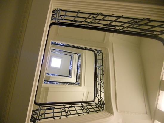 Radisson Blu 1919 Hotel, Reykjavik: staircase impressive