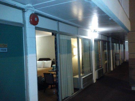 Howard Johnson Inn - Albany : le stanze al pianterreno