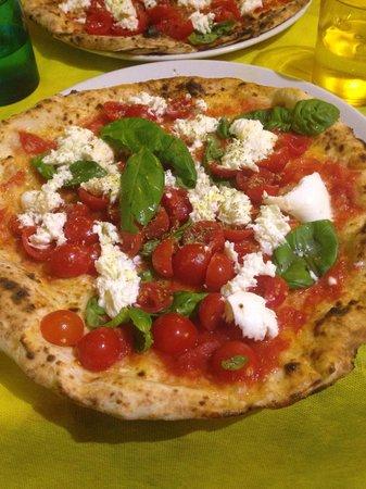 Pizza AM: Caprese deliziosa!! Super consigliata!