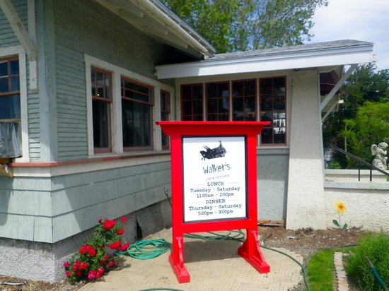 Walkers Farm Kitchen: The sign to look for