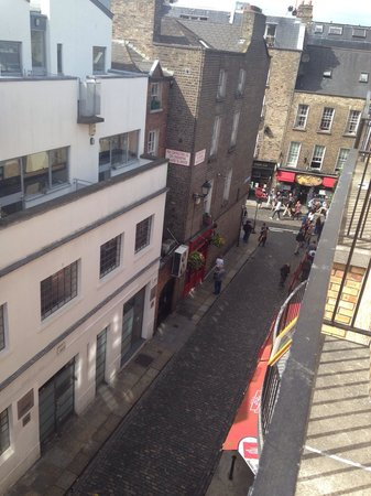 Barnacles Hostel Temple Bar: View from room