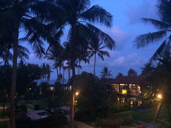 Centara Grand Beach Resort Samui: Sundowners on the balcony