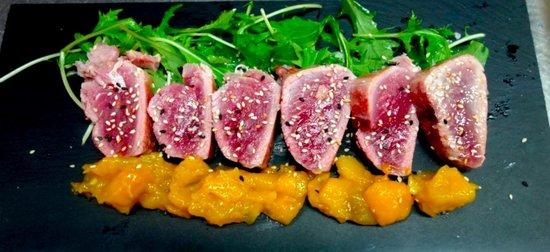 Restaurant La Salsa: Tuna-roastbeef, totally chunky!