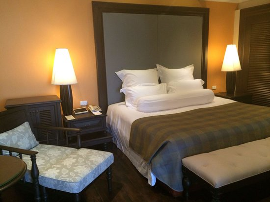 Centara Grand Beach Resort Samui: Bedroom - one bedroom suite