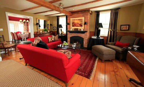 The Butler House Historic Bed and Breakfast : The Guest Living Room