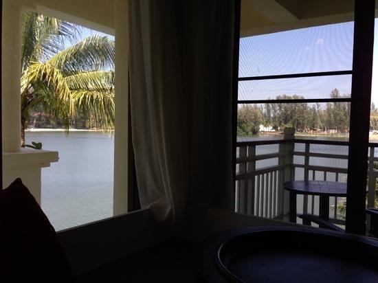 Outrigger Laguna Phuket Beach Resort: oda manzarası