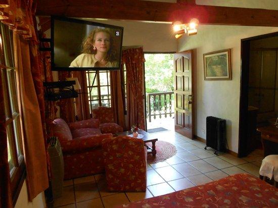 Alpenhaus Gasthaus: Bungalow Suite, Sicht vom Bett aus