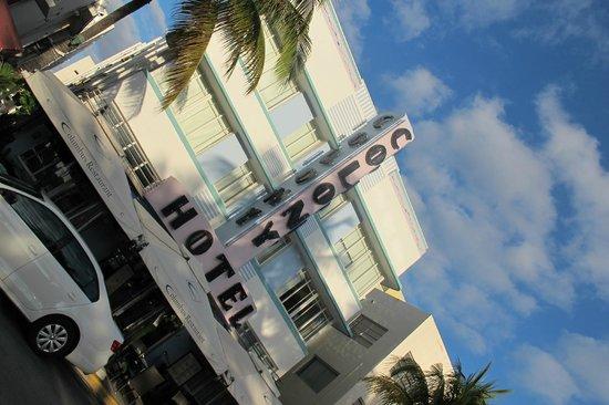 The Colony Hotel: Fachada de dia