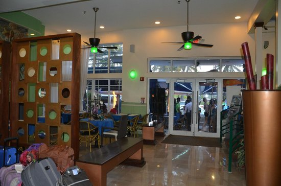 The Colony Hotel: Restaurante na recepção
