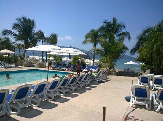 Gran Plaza Hotel Acapulco: Vista de una de las piscinas