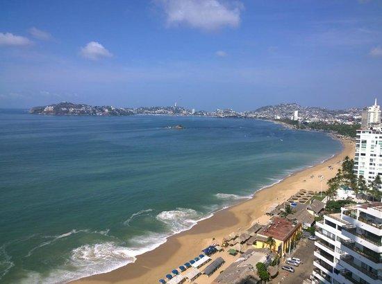 Gran Plaza Hotel Acapulco: Vista diurna desde el balcón