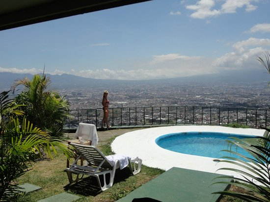 Hotel Linda Vista : Pool mit sehr schöner Aussicht