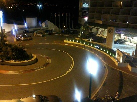 Fairmont Monte Carlo : La entrada en la curva mas famosa