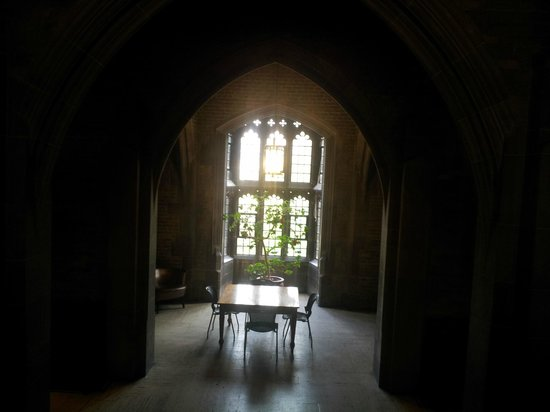 University of Toronto: Inside Hart House
