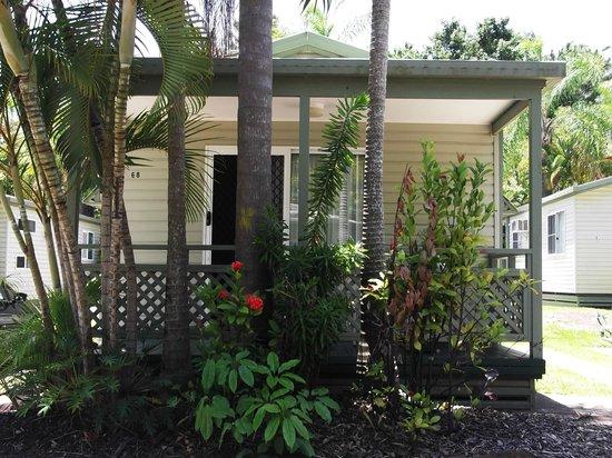 Ashmore Palms Holiday Village : Holiday Villa Cabin