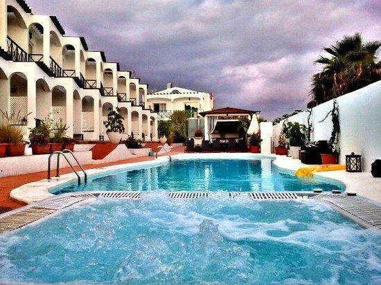 Vista Bonita Gay Resort: DESDE EL YACUZZI