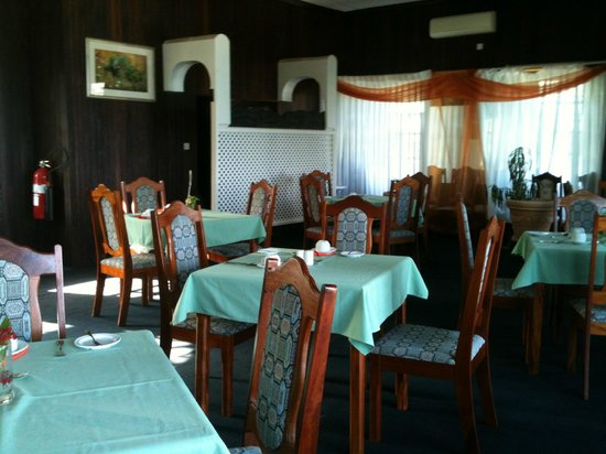 Gem Holiday Beach Resort: Restaurant