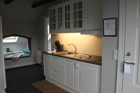 Reykjavik Residence Suites: Kitchen