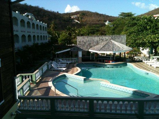 Gem Holiday Beach Resort: Pool of Sister Resort