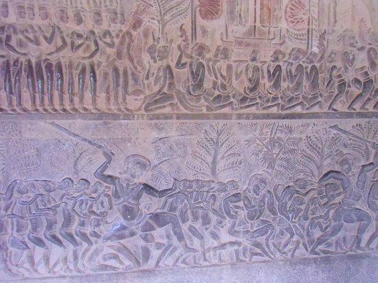 Angkor Wat: Detalle de los bajorelieves del Paraiso y del Infierno