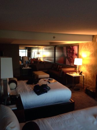MGM Grand Hotel and Casino : queen suite very nice