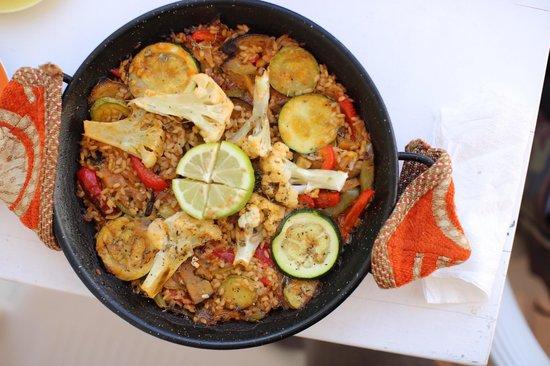 La Vie est Belle: Paella with vegetables
