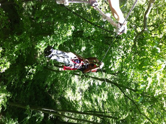Hocking Hills Canopy Tours: Zipping!