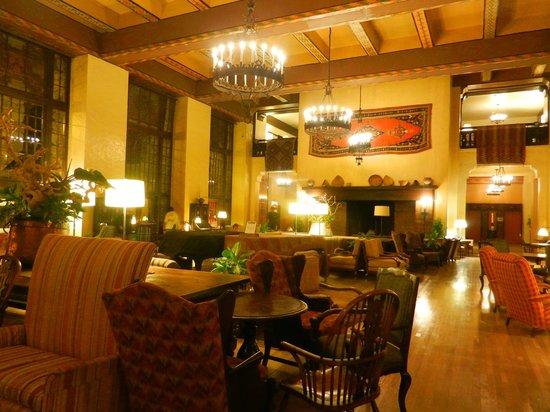 The Majestic Yosemite Hotel: Great Room (evening)