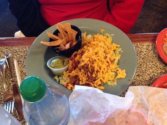 Serna's Mexican Cuisine: Taco salad