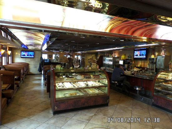 Manalapan Diner: Bakery Selections