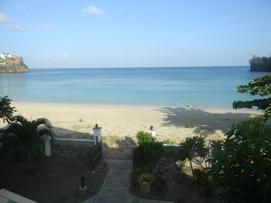 Gem Holiday Beach Resort : The view of BBC Beach from Kalinago's Restaurant