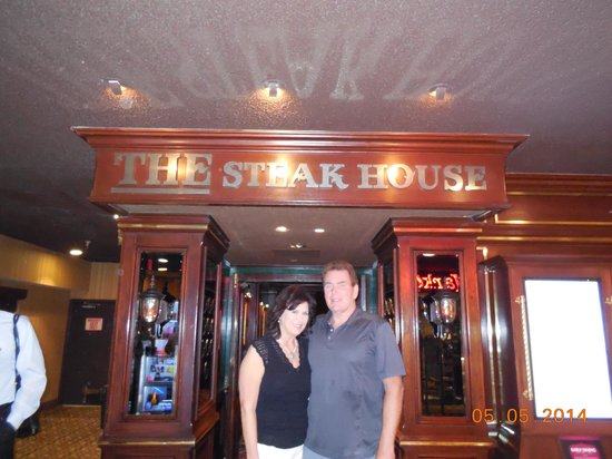 The Steak House: Standing in Circus Circus