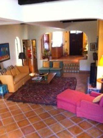 Casa de la Noche: entrance livingroom