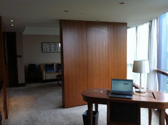 L'Hermitage Hotel: Livingroom