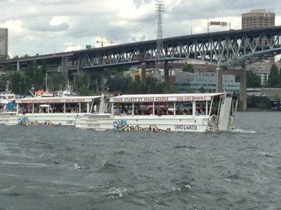 Ride the Ducks of Seattle : Passing other Ducks on Lake Union