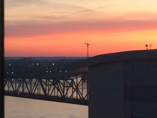 Galt House Hotel : View from the 15th floor at sunrise