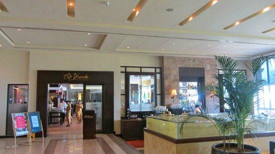 Taal Vista Hotel: Dining