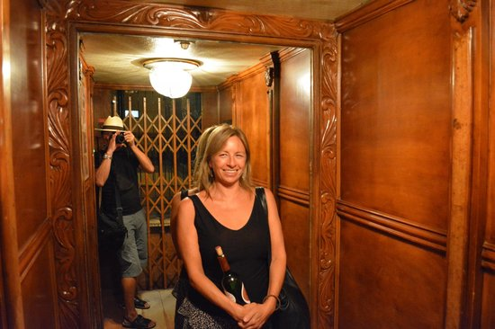 Hotel Frances : Old style elevator...it works!