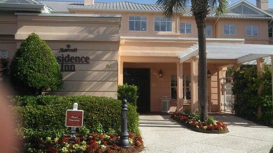 Residence Inn Charleston Downtown/Riverview: Outside