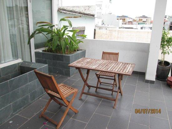 Yellow House Saigon Hotel : Terrace