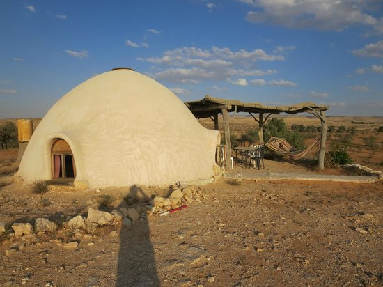 Makman Dunes Desert Lodge: Our hut on top of the hill