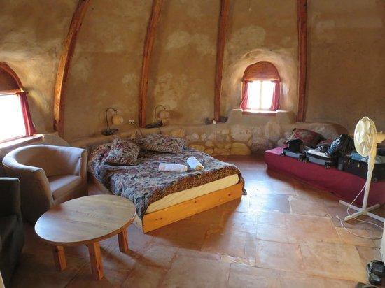 Makman Dunes Desert Lodge: Interior of our hut