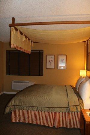 Wild Palms Hotel - a Joie de Vivre Hotel : Bedroom