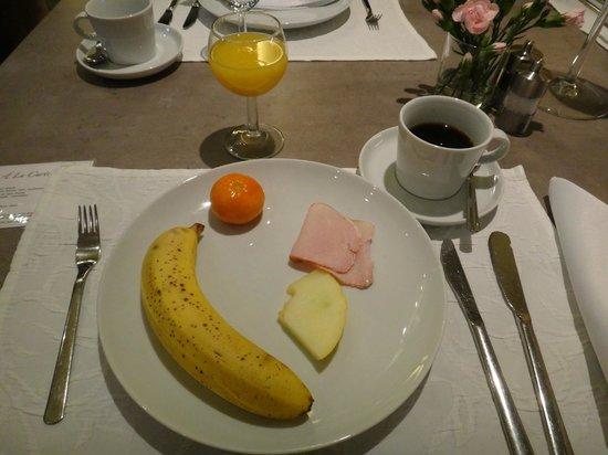 Unitas Hotel: Frutas e sucos
