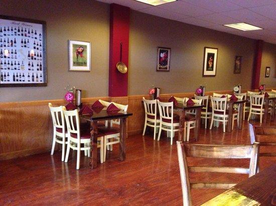 Trattoria Dionisia: Dining area