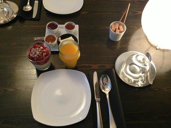 Dar 23: Delicious Moroccan breakfast
