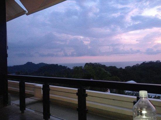 La Luna Restaurant at Gaia Hotel & Reserve: Gorgeous sunset view