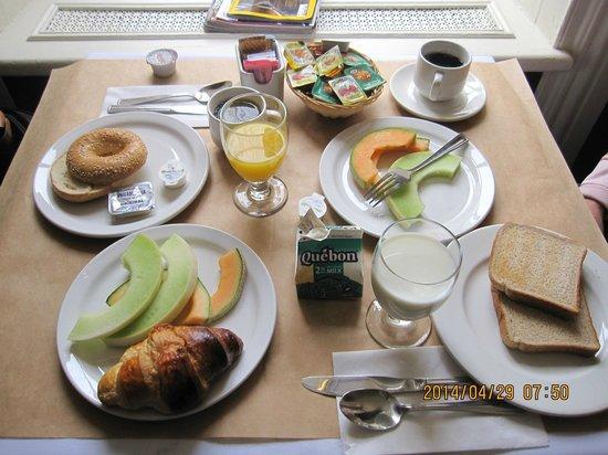 Hotel Sainte-Anne: 朝食